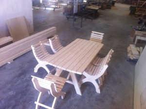 Executam mobilier de gradina din lemn de brad